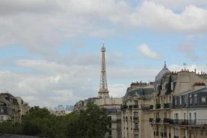 Standard Double Room with Eiffel Tower View