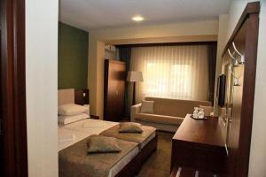 Hotel Royale, Hostels  Galaţi - big - 22
