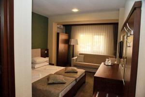 Hotel Royale, Hostels  Galaţi - big - 48