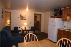 Three-Bedroom Suite - Room 6