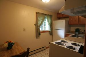 Two-Bedroom Townhouse - Room 7