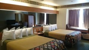 Deluxe Queen Room with Two Queen Beds -Disability Access