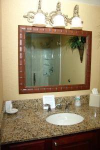 Holiday Inn Hotel & Suites Clearwater Beach, Hotely  Clearwater Beach - big - 2