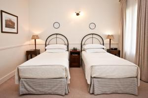 Queens Hotel, Hotels  Oudtshoorn - big - 2