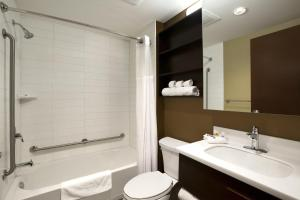 Microtel Inn & Suites by Wyndham Whitecourt, Отели  Whitecourt - big - 3