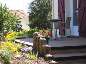 L'Aumônerie, Bed and breakfasts  La Chaize-le-Vicomte - big - 21