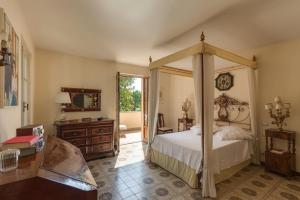 Forte dei Marmi renewed 6 bedroom villa - AbcAlberghi.com