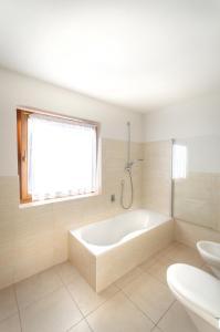 Residence Clara, Apartmánové hotely  San Vigilio Di Marebbe - big - 24