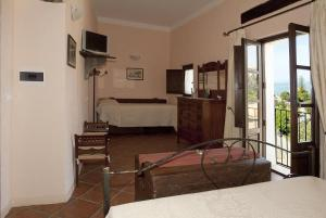 B&B Lavinium, Bed & Breakfast  Scalea - big - 16