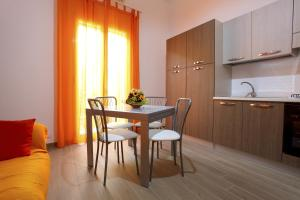 B&B La Grande Mela, Bed & Breakfasts  Santo Stefano di Camastra - big - 14