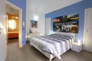 B&B La Grande Mela, Bed & Breakfasts  Santo Stefano di Camastra - big - 1
