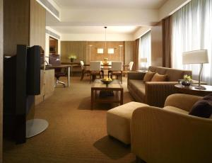 Grand King Suite