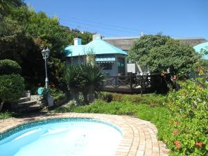 Cottage with Pool and Garden View - Rose Cottage