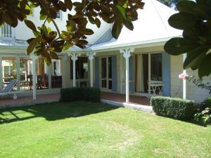 Oakhampton Lodge, Отели типа «постель и завтрак»  Rangiora - big - 3
