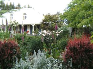 Oakhampton Lodge, Отели типа «постель и завтрак»  Rangiora - big - 12