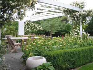 Oakhampton Lodge, Отели типа «постель и завтрак»  Rangiora - big - 16