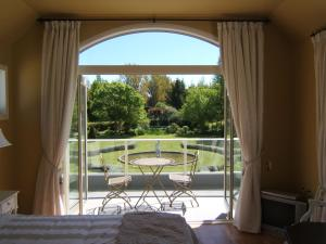 Oakhampton Lodge, Отели типа «постель и завтрак»  Rangiora - big - 8