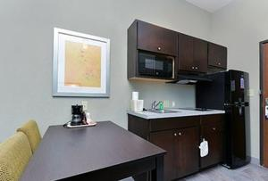 Efficiency Double Room - Non-Smoking
