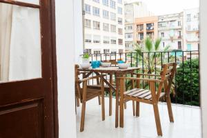 Four-Bedroom Apartment with Terrace and Balcony