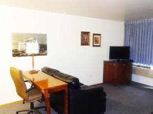 Family King Suite