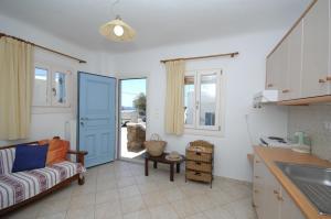 Asimina, Guest houses  Tourlos - big - 12