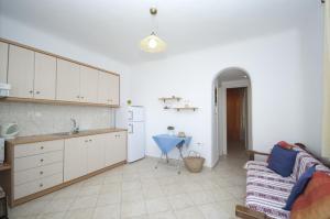 Asimina, Penziony  Tourlos - big - 5