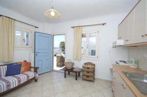 Asimina, Guest houses  Tourlos - big - 4