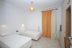 Asimina, Penziony  Tourlos - big - 3