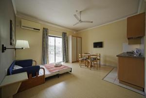 Porto Azzurro Aparthotel, Hotely  St Paul's Bay - big - 20