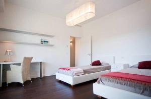 Gualandi Luxury Apartment, Apartmány  Bologna - big - 10