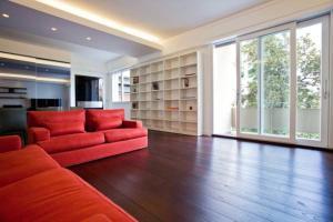 Gualandi Luxury Apartment, Apartmány  Bologna - big - 9