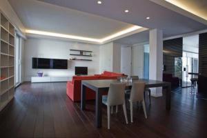 Gualandi Luxury Apartment, Apartmány  Bologna - big - 7