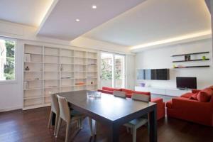 Gualandi Luxury Apartment, Apartmány  Bologna - big - 5