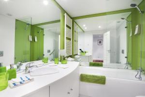 Lisbon Rentals Chiado, Apartments  Lisbon - big - 24