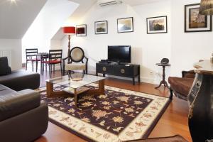 Lisbon Rentals Chiado, Apartments  Lisbon - big - 96