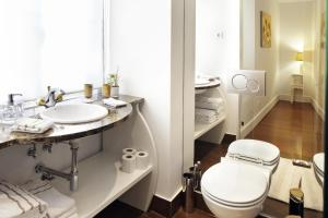 Lisbon Rentals Chiado, Apartments  Lisbon - big - 97