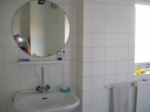 Maria's B&B, Bed and breakfasts  Noordwijk - big - 15