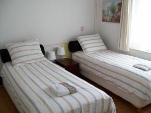 Maria's B&B, Bed and breakfasts  Noordwijk - big - 3