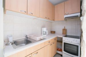 Apartments Staničić, Apartmány  Brela - big - 24