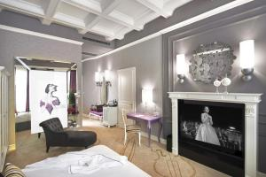 One-Bedroom Opera Suite