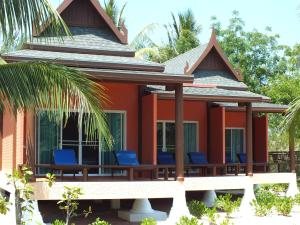 CandN Kho Khao Beach Resort