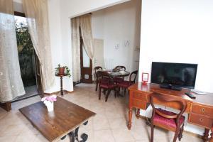 Appartamento Con Giardino, Appartamenti  Firenze - big - 14