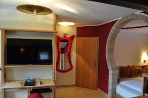 Junior Suite with Whirlpool and Waterbed
