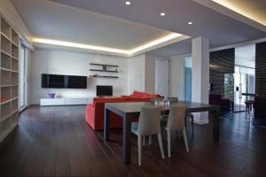 Gualandi Luxury Apartment, Apartmány  Bologna - big - 1