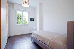 Gualandi Luxury Apartment, Apartmány  Bologna - big - 11