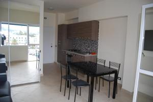 Appartamento Black & White, Apartments  Portoferraio - big - 5