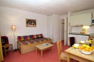 Les Chalets d'Aurouze, Aparthotely  La Joue du Loup - big - 5