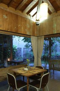 Rumah Batu Villa & Spa, Hotel  Solo - big - 63