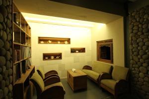Rumah Batu Villa & Spa, Hotel  Solo - big - 62