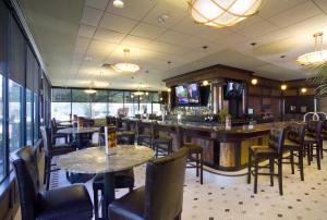 DoubleTree by Hilton Cleveland-Downtown Lakeside